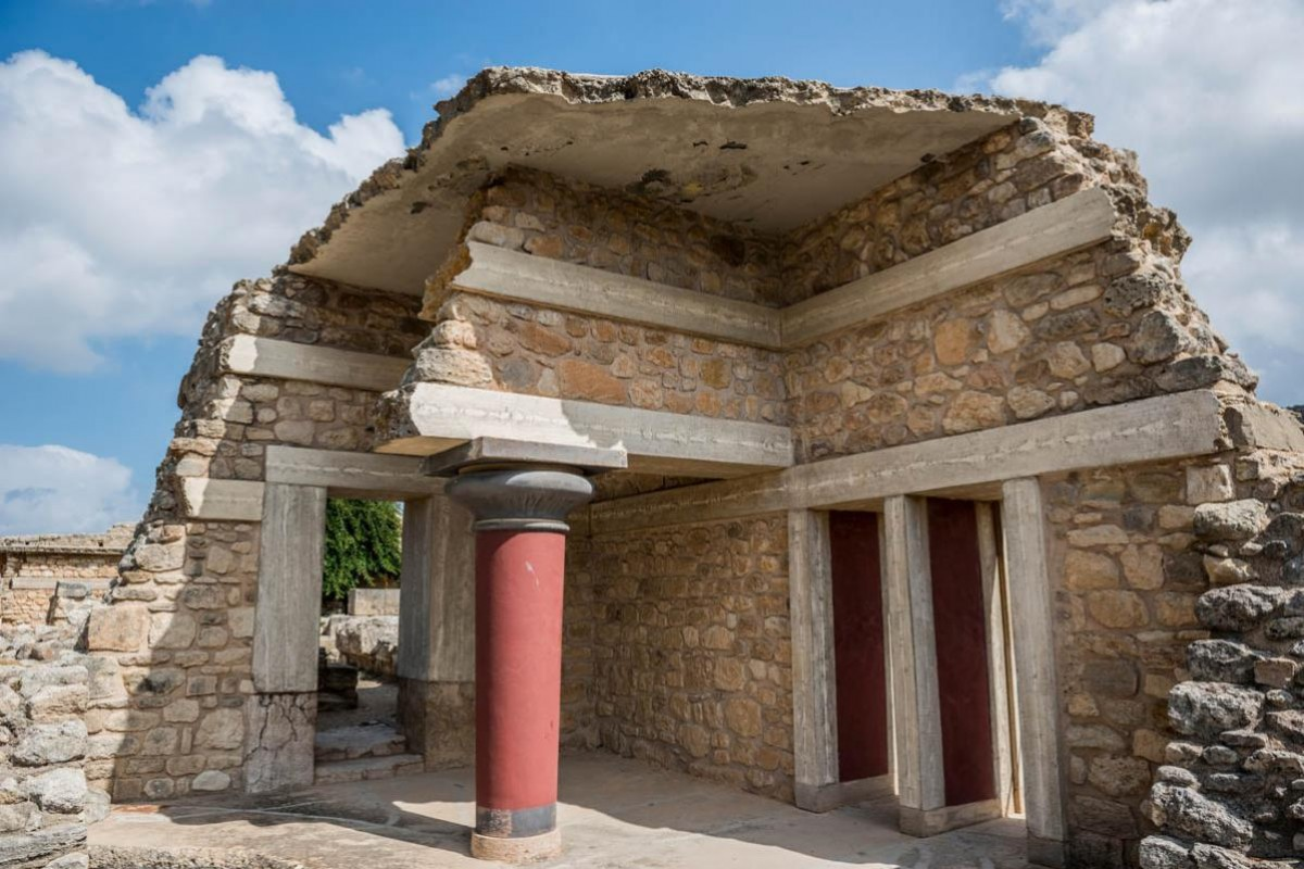 Ultimate Crete - A Unique Discovery (Palace of Knossos - Boutari Winery - Traditional village of Arolithos)